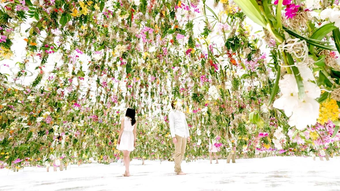 teamlab_floating_flower_garden_2