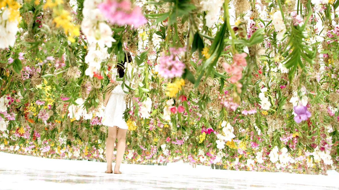 teamlab_floating_flower_garden_3