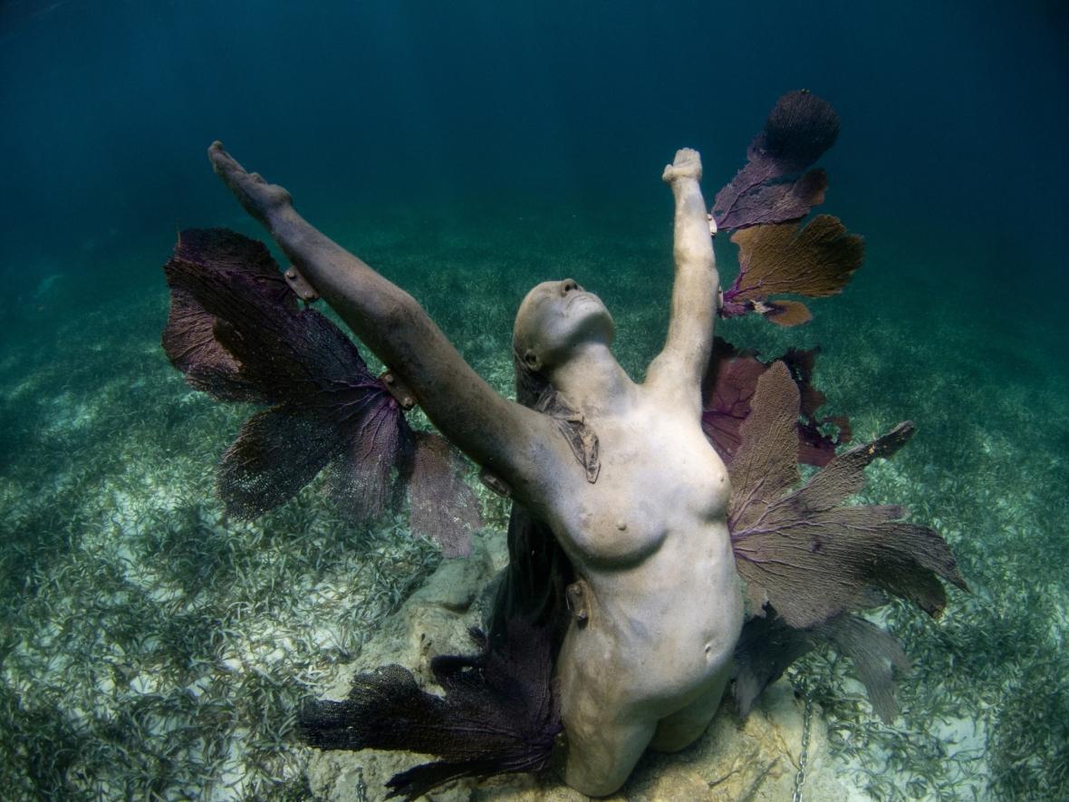 Underwater-Sculptures-by-Jason-de-Caires-Taylor-15