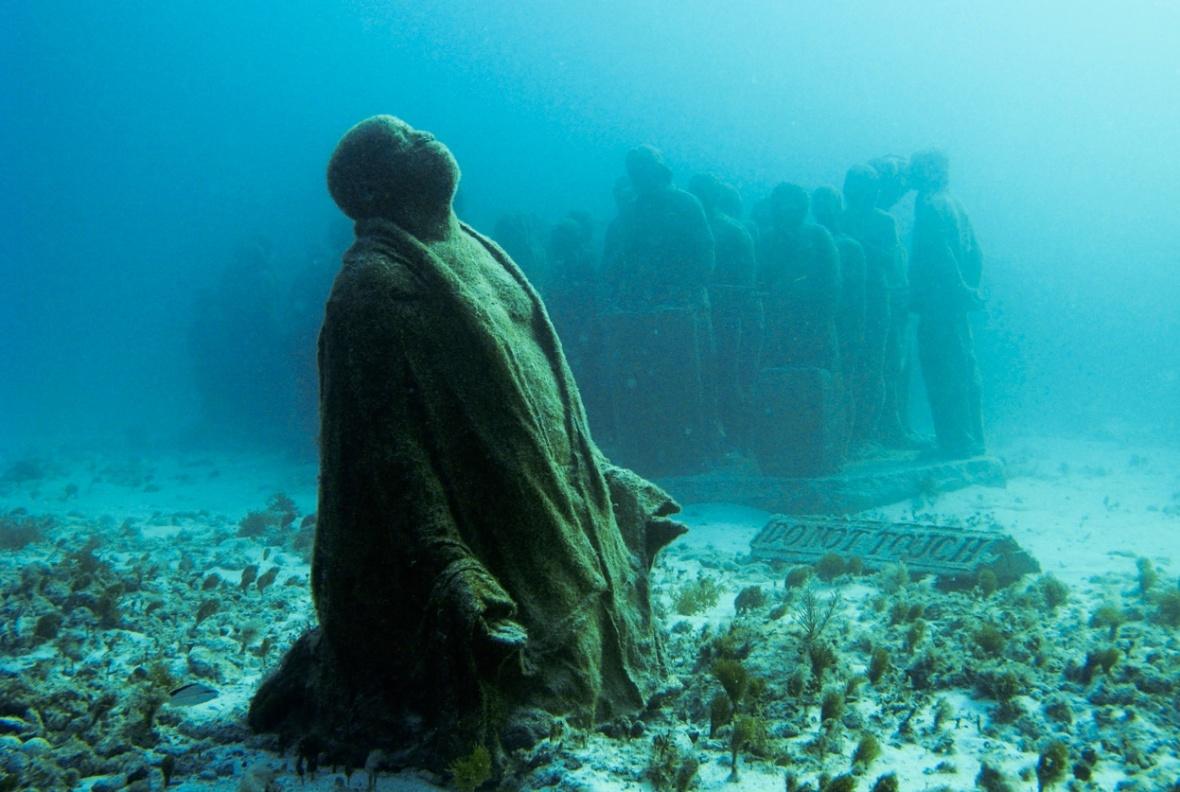 Underwater-Sculptures-by-Jason-de-Caires-Taylor-1