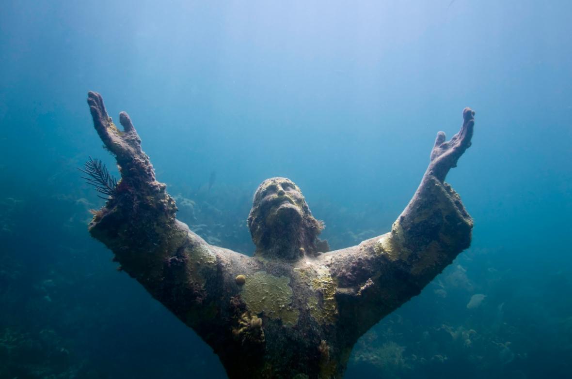 Underwater-Sculptures-by-Jason-de-Caires-Taylor-10