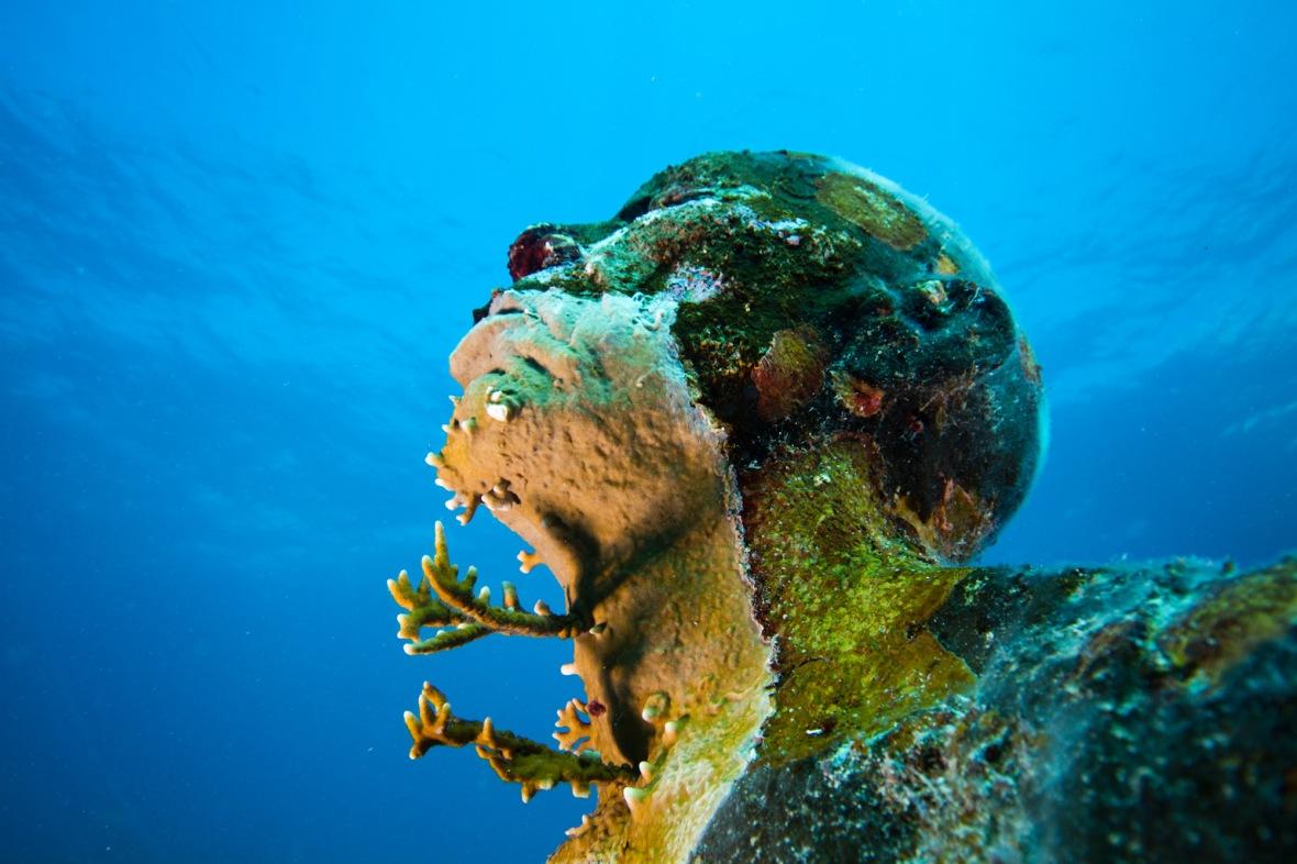 Underwater-Sculptures-by-Jason-de-Caires-Taylor-2