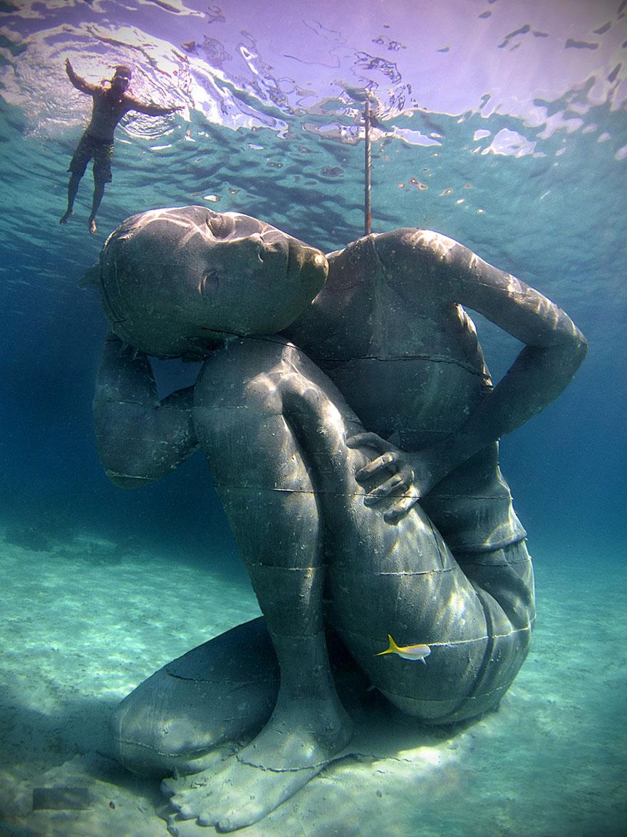 Underwater-Sculptures-by-Jason-de-Caires-Taylor-9