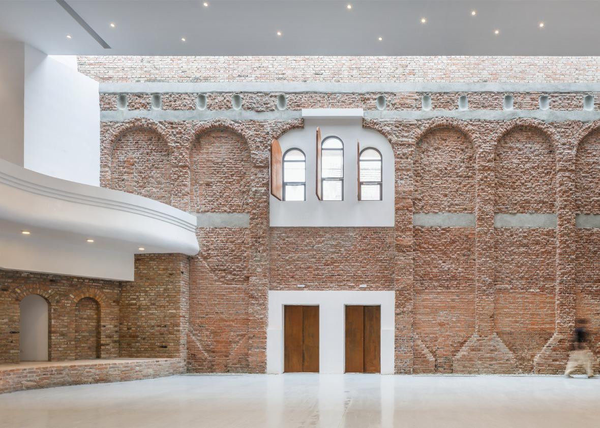 cultural-palace-romania-blaj-architect-romanic-vlad-rusu-3